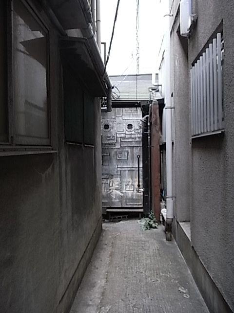 大阪 ゲイ バー 1人